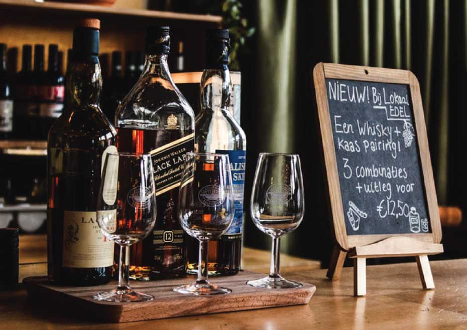 Know The Differences Between Whiskey And Scotch To Be A Perfect Host