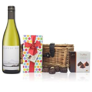 Cloudy Bay Sauvigion Blanc and Chocolates